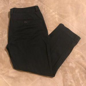 🎉SALE! NY&Co Black Capris size 6